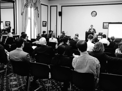CCL briefs Hill staff on carbon fee revenue